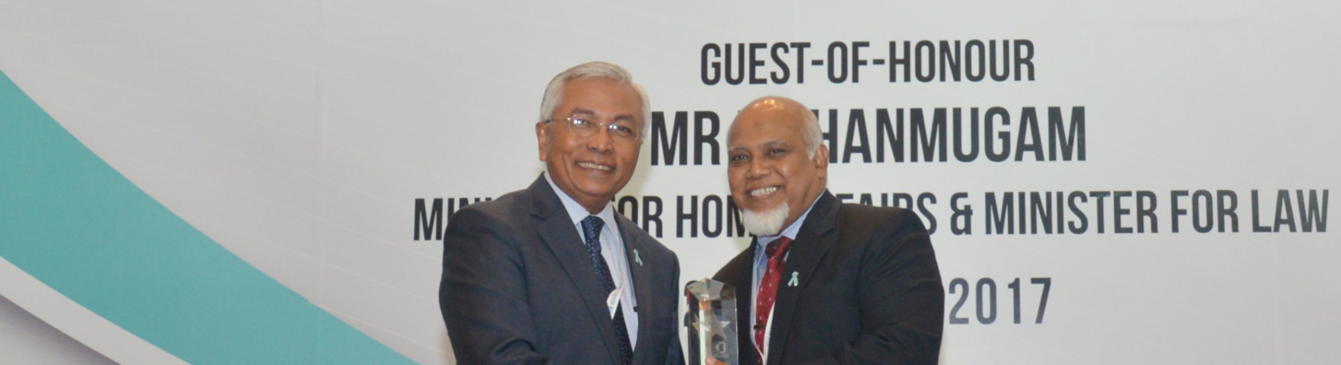 Mr Shariff (right) with NCADA Chairman Mr Hawazi Daipi (left)
